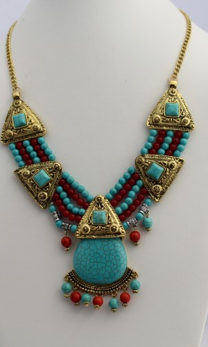 Native Turquoise Stone Beaded Necklace